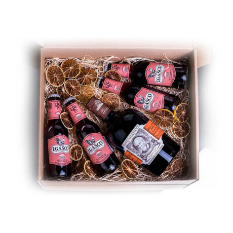 Rum Diplomatico Mantuano + Cola + fűszer